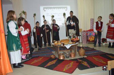 Звън на камбани песен реди, Коледа днес е – Бог се роди - Изображение 2