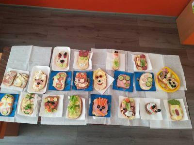 Приготвяне на сандвичи в часа по занимания по интереси 1