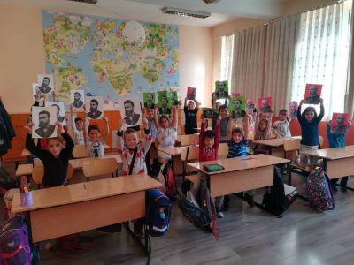 Учениците от I г клас вече знаят кои са народните будители 3