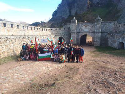 Изнесени уроци по български език и литература на тема Отечеството - обичано и неоценено 6