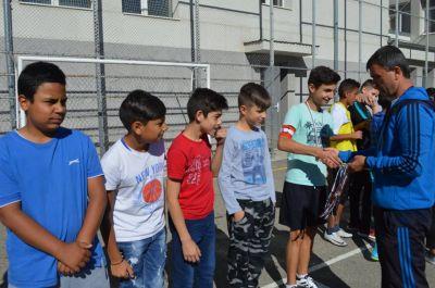 Училищния турнир по футбол за ученици от шести и седми клас приключи 1