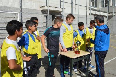 Училищния турнир по футбол за ученици от шести и седми клас приключи 5